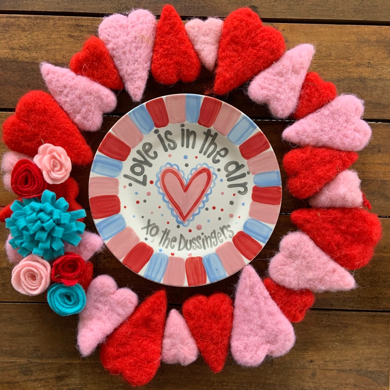 Valentines Day Plate / love is in the air  / personalized image 0