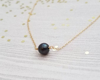 Single Black Pearl Necklace
