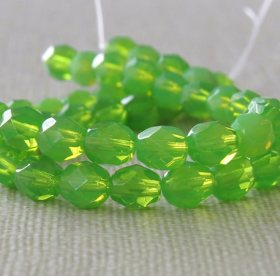 25 8mm Round Czech Glass Faceted Fire Polish Beads Peridot Green Transparent