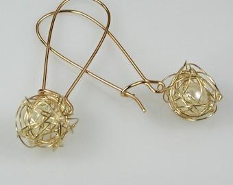 Freshwater Pearl in Gold Wire Dangle Earrings