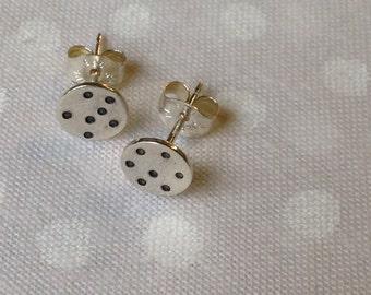 Double dot earrings