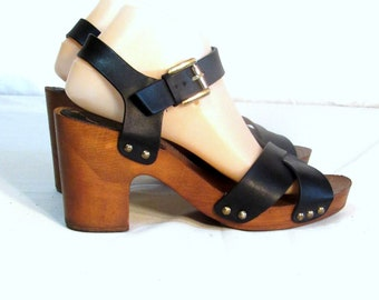 f0d91fa12ee 70s Inspired Strappy Black Chunky Wooden Platform Sandals Sz.8.5B Womens  Shoes