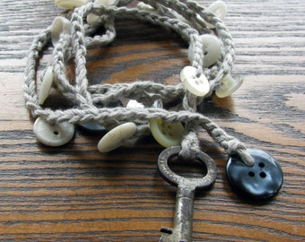 Pearly Queen Lariat necklace