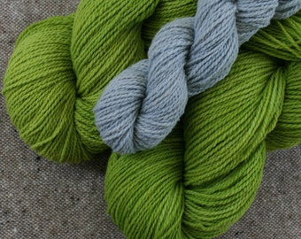 Mohonk Set for Edradour (or anything!) includes: Two 370yd skeins & 1 ~83yd contrast