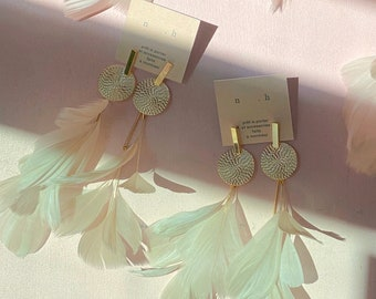 Statement Feather Earrings Wedding Beige Ivory Gold Circle Bar Stud with Natural Feathers. Long White Dangle Feather Earrings