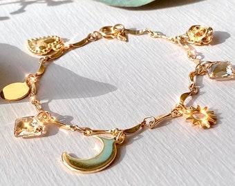 Gold Charm Bracelet. Gold Chunky Chain Bracelet. Cute Charm Bracelet. Stack Bracelets. Chain Bracelet. Gold Disc Bracelet. Dainty Bracelet