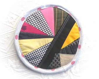 """Trivet Pot pad recycled materials patchwork """"Pink dots and yellow"""""""