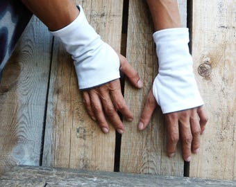 CHECK STOCK cotton jersey Fingerless mittens made from  recycled tee shirt material white with grey lining #096