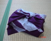 Japanese vintage FUROSHIKI, KIMONO fabric, wrapping cloth, wall hanging -- purple feathers