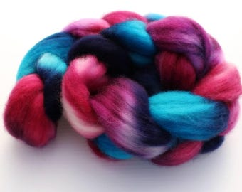 3.9 oz Superwash Blue Faced Leicester Combed Top, Roving, BFL spinning fiber, Wool Roving, Wool Top, Handdyed Top