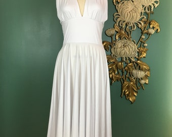 1990s dress, white halter dress, Marilyn Monroe, full skirt, halloween costume, seven year itch, medium, 1950s style, vintage, fit and flare
