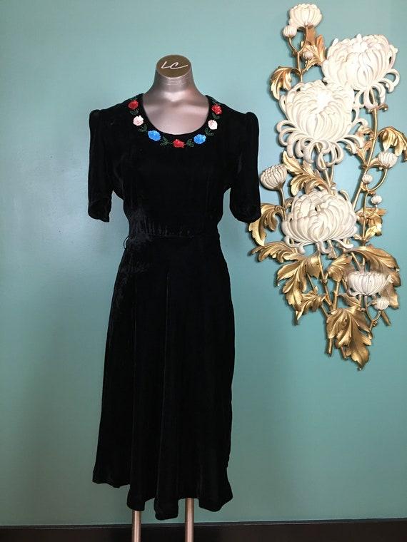 Early 1940s dress, black silk velvet, vintage 40s