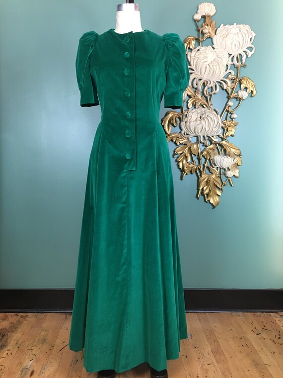 1940s velveteen gown, vintage 40s dress, puff slee