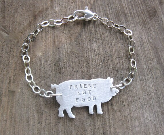 Vegan Bracelet-Friend not Food-Pig Bracelet-Vegan Jewelry-Gift-Birthday-Anniversary-Eco Friendly-Farm Animal Jewelry-Pig Lover-Personalized-