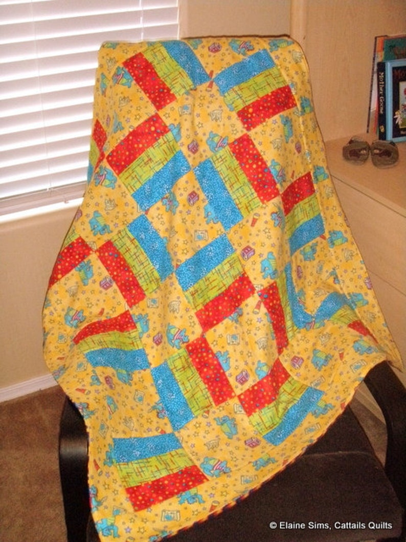 Yellow Dragons Baby Quilt image 0
