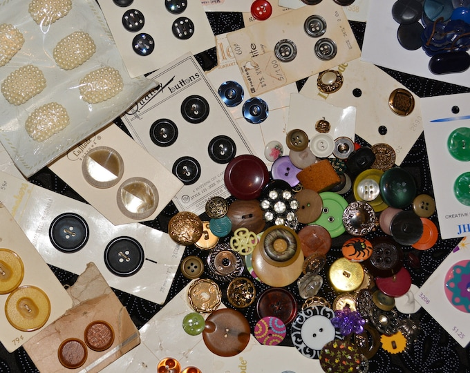 Lot of destash buttons, carded buttons, craft buttons, vintage buttons