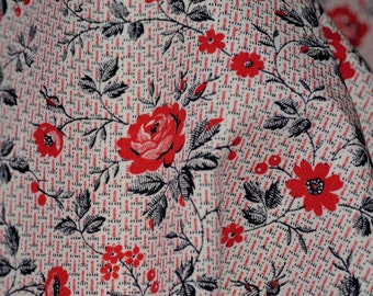 Vintage floral fabric 1950s Red rose fabric yardage