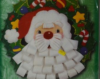 Bucilla felt applique kit, Christmas wreath with Santa, NIP 1999