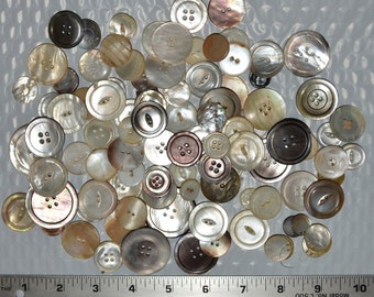 Mother of Pearl buttons vintage, nature shell button lot