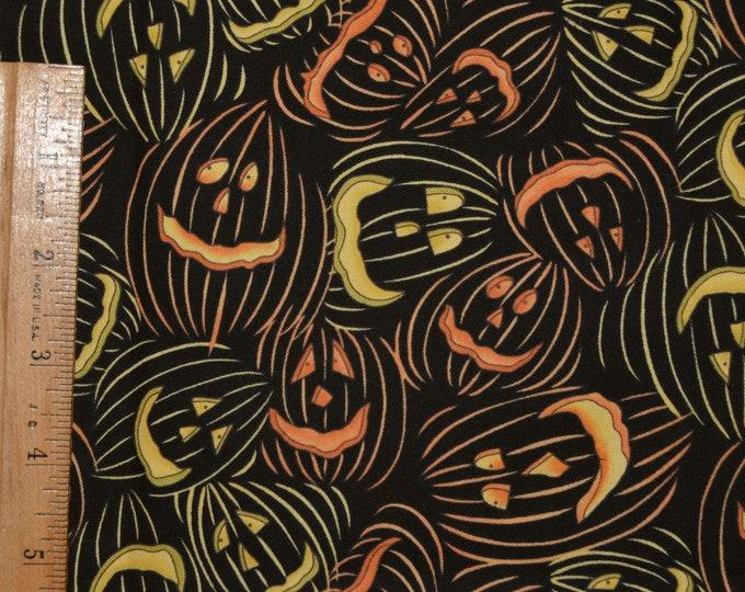 Halloween fabric with pumpkins, jack o lantern fabric, Clothworks Diane Knott FQ