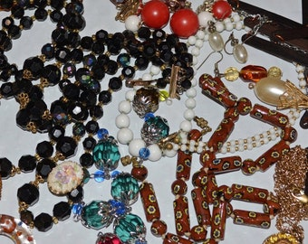 Miscellaneous jewelry lot, destash jewelry, vintage