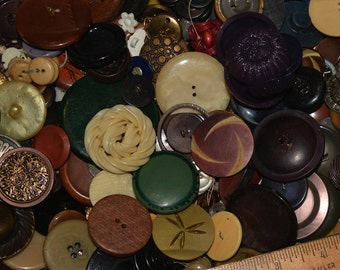 old and new button lot, 2 pounds of buttons, sewing buttons destash