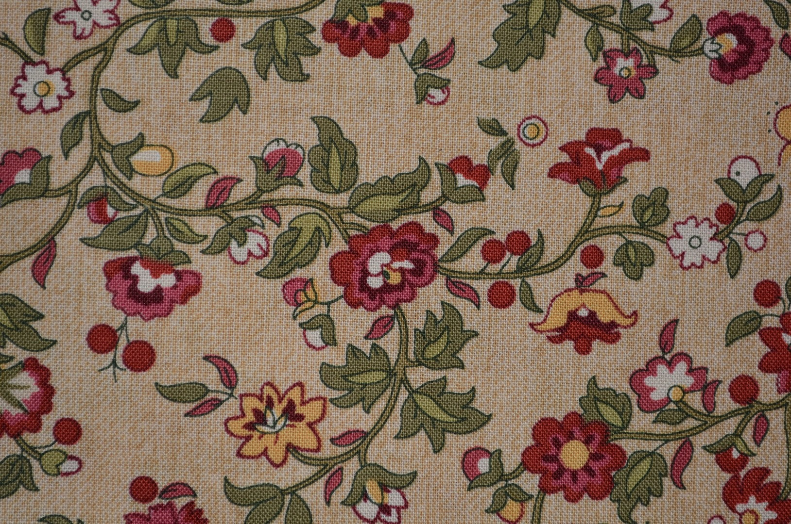 English Garden floral fabric Bread and Butter by Kaye England