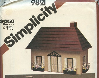 Dollhouse and furniture pattern Simplicity 9821