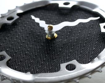 Fahrrad-Gear Clock - moderne Zickzack | Fahrrad Uhr | Wanduhr | Recycelte Bike Parts Clock