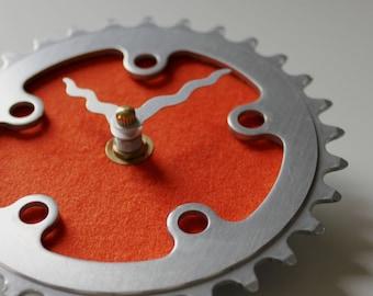 Fahrrad-Getriebe Uhr - kleine Orange | Fahrrad Uhr | Wanduhr | Aufbereitete Fahrrad Teile Uhr