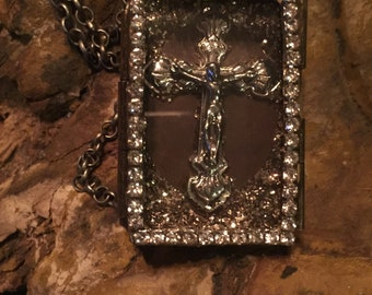 Beautiful Shadow Box pendant and necklace