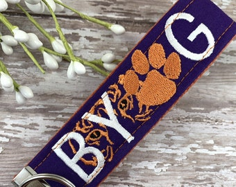 Clemson Wristlet Keychain, Approved Crafter License Holder, Wrist Keychain for Her, Key fob Wristlet, Keychain Wristlet, Clemson Tigers