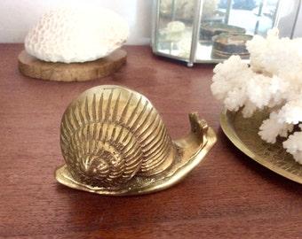 Brass Snail, Vintage Brass Animal Figurines. Gold Decor, Brass Paperweight. Spiral Snail Shell, Garden Creatures Natural History Collection.
