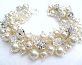 Ivory Pearl Bracelet , Bridal Wedding Jewelry, Pearl Bridesmaid Bracelet with Rhinestones, Bead Cluster Bracelet, Ivory Pearl Bead Jewelry