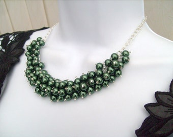 Pearl Beaded Necklace, Bridal Jewelry, Bridesmaid Necklace, Forest Green Necklace, Cluster Necklace, Bridesmaid Gift, Custom Colours