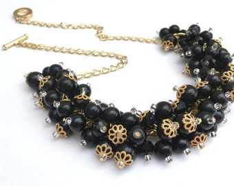 Black Pearl Necklace, Beaded Bridesmaid Jewelry, Cluster Necklace, Chunky Necklace, Bridesmaid Gift, Pearl Wedding Jewelry, Black Necklace