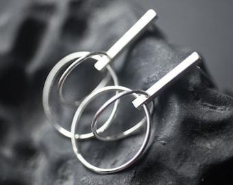 Loop in Loop in Line - Circle Stud Bar Earrings in Sterling Silver