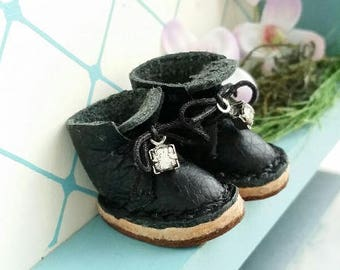 Lace Up Shoes Black Mini Leather  Lace Up Boots For Neo Blythe Doll Pullip Dal Body Hand Made By MizuSGarden
