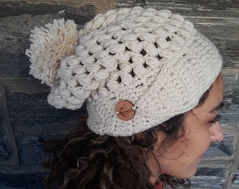 CROCHET HAT/ beanie/holiday gift/gift for her/women hat/winter beanie/Women's beanie/slouchy beanie/pompom beanie/handmade hat/slouchy hat