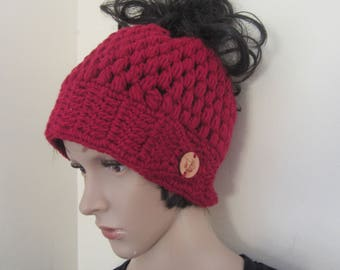 messy bun beanie/MESSY BUN HAT/ponytail beanie/crochet hat/bun beanie/bun hat/ponytail hat/woman headband/hair accessory/Man bun/