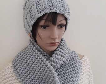 Hand knit scarf/loop scarf/cowl scarf/oversize scarf/neck warmer/ circle scarf/infinity scarf/hooded cowl/chunky knit scarf/