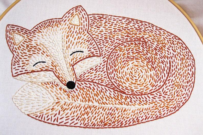 Sleepy Fox Hand Embroidery Pattern image 0