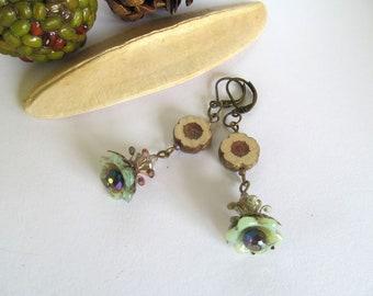 Woodland Flower Earrings, Antiqued Brass Earrings, Beachy, Dangle Flower Earrings, Czech Glass Flower Bead Earrings, Bohemian Earrings