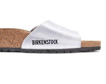 3088510170 US women 8.5 Birkenstock Madrid Silver Slide Sandals 90s Vintage Metallic  Vegan Leather Casual Hipster Shoes Summer Footwear . Eur 40 Uk 7