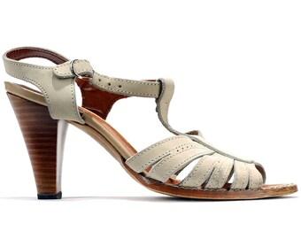 73fa2e752714 US size 7 Bohemian Sandals Vintage 80s Heeled Sandals Leather Beige Sandals  Cut Out T strap Sandals Retro Style Heels EUR 37.5 UK 4.5