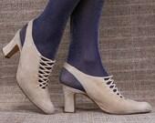 US 6.5 Victorian Beige Suede Mules 80s Vintage Slip On Slingback Shoes Corset Strap Heels Witchy 80s Elegant Mule Heels . EUR 37 UK 4