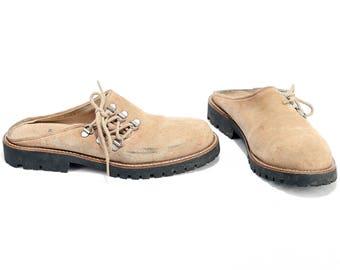 US women 6.5 . Beige Suede Mules Vintage 80s Clogs Slide On Shoes Dirndl Oktoberfest Summer Shoes Chunky Sole . Eur 37 Uk 4 . SKU 6408