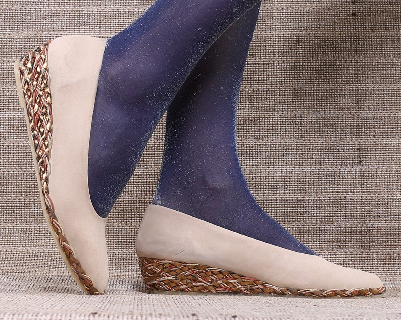 305ee80b95002 US 7.5 Vintage Wedges Ballerinas Shoes 80s Beige Suede Flats Braided Wedge  Sole Woven Details Low Heel Slip On European Quality Eur 38 UK 5