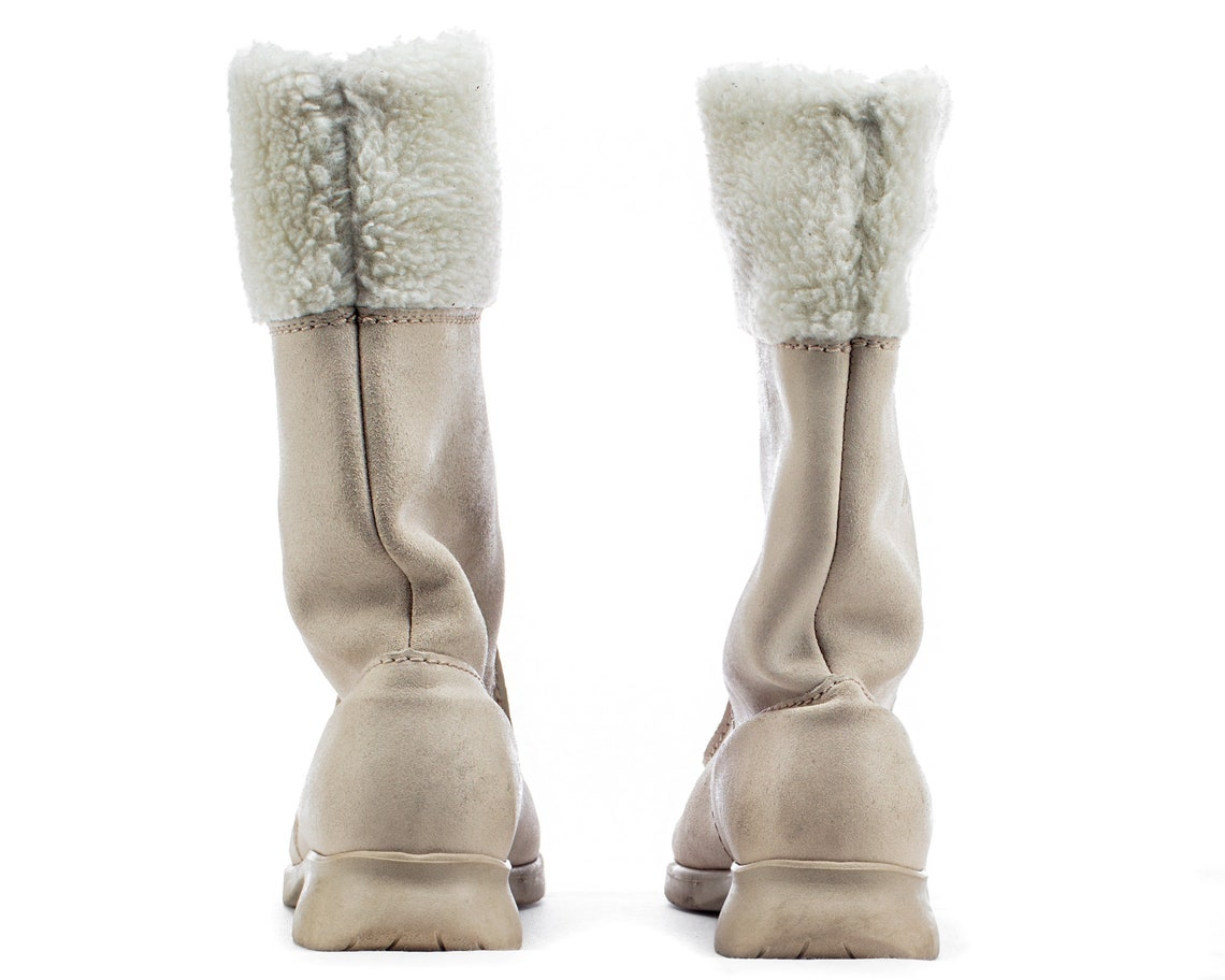 Us 6.5 Eskimo Boots Y2K White Leather Winter Boots Slouch Pull On Vintage Faux Fur Lined Low Heel Insulated Tall Booties . size UK 4 EUR 37