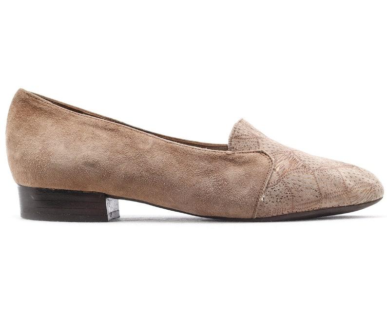 0fea65131b575 US 6.5 Low Heel Pumps 80s Brown Suede Leather Wide Fit Ballet Flats Formal  Office Low Heel Vintage Shoes 1980s Flexible Sole . Eur 37 UK 4